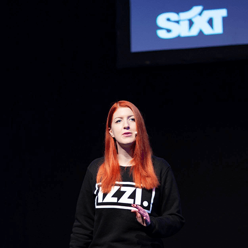 Izzi Smith speaking at SEOkomm in Salzburg, Austria